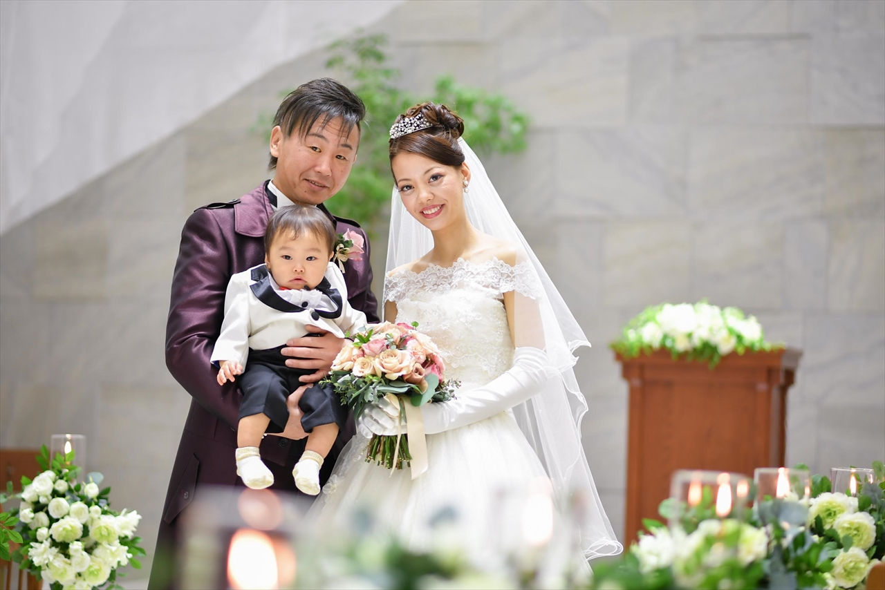 826b56586588e このおふたりとおふたりのお子様が主役の結婚式です!
